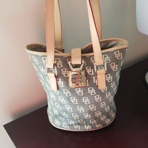 Dooney and bourke signature bucket style tote